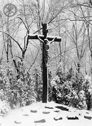 Crucifix - Winter