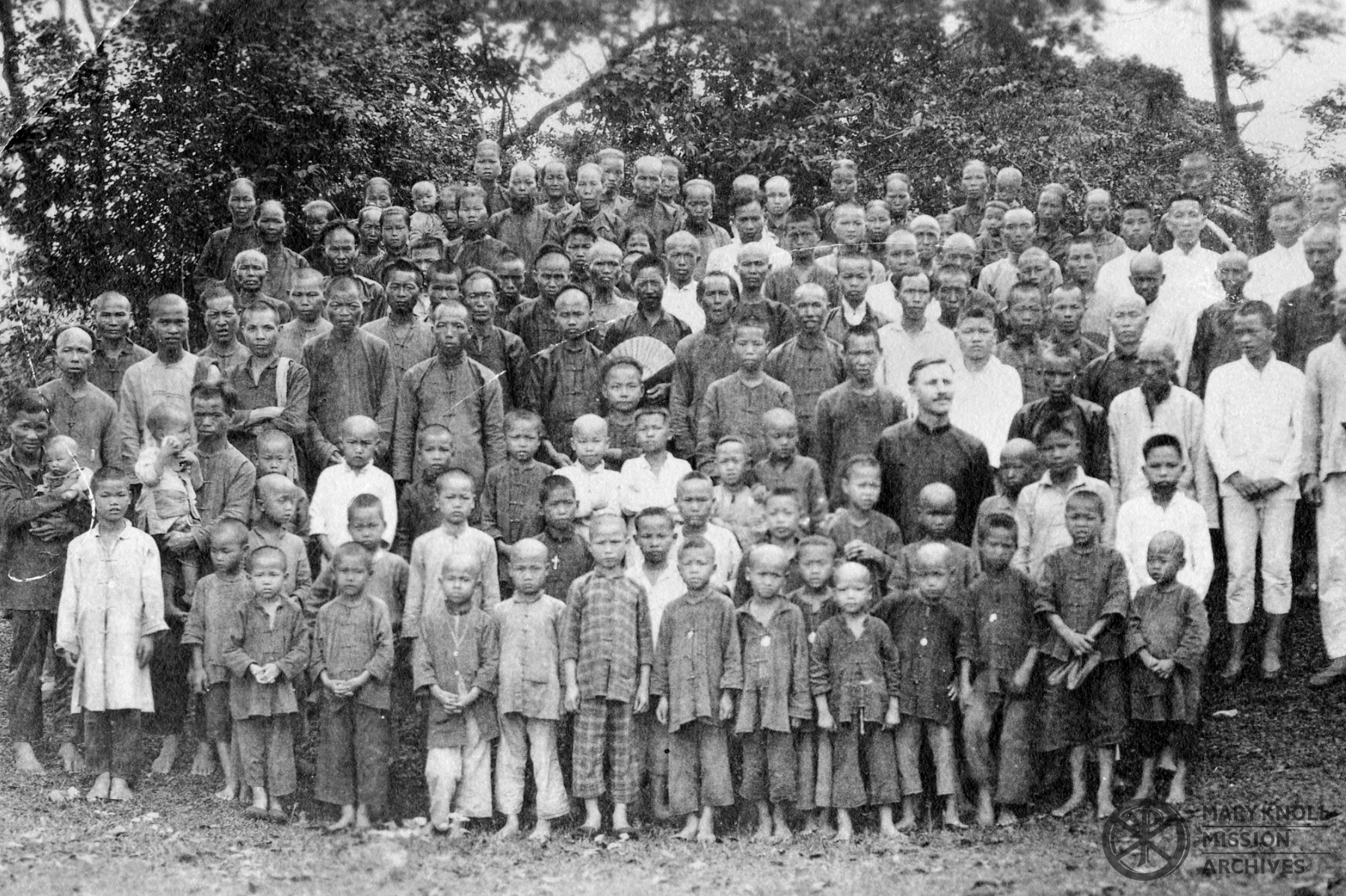 Fr. Bernard Meyer with the congregation in Tungchen, 1920