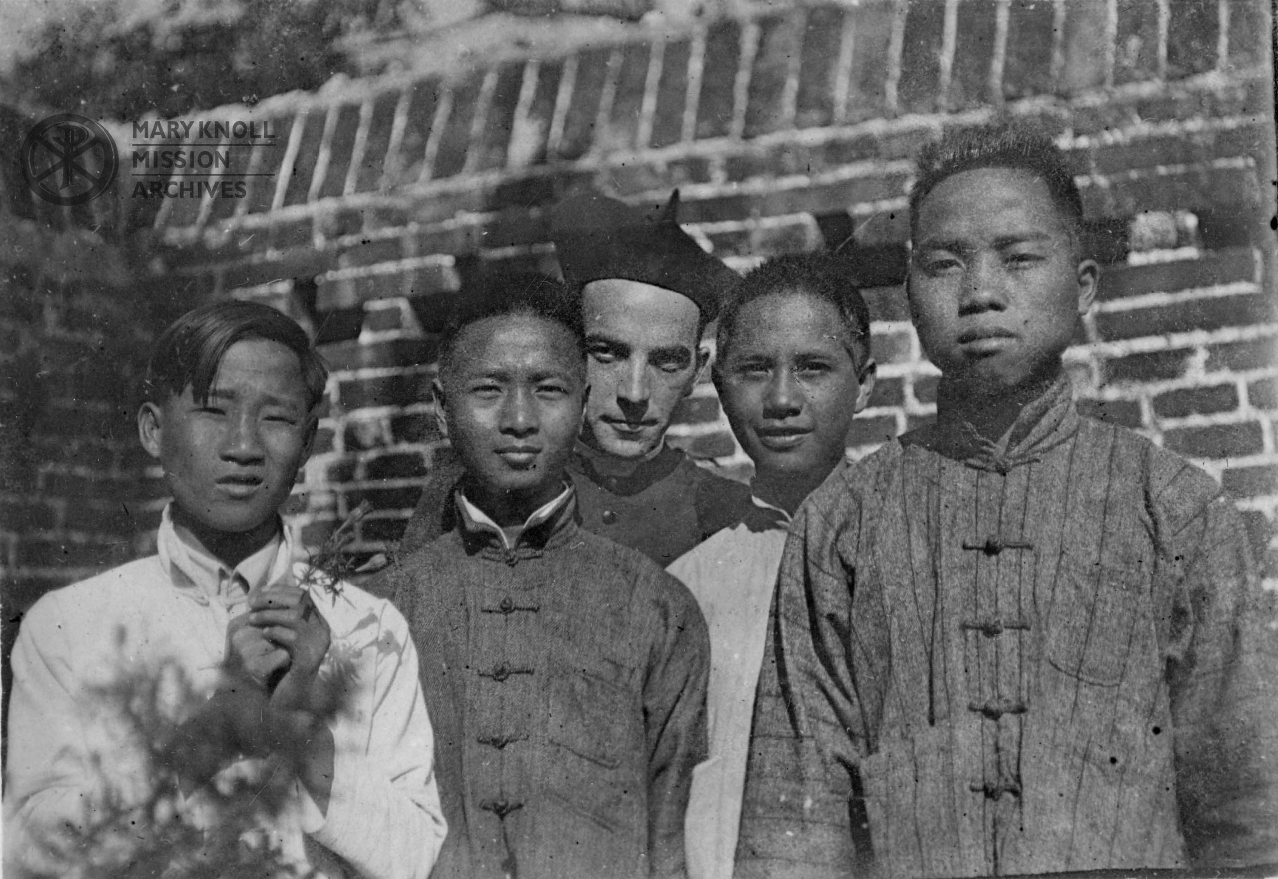 Fr. Francis Ford with religion students in Yeungkong, 1922